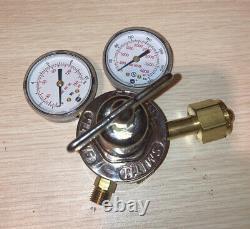 SMITH MILLER Regulator Set 30-100 Oxygen 30-15 Acetylene Cutting Welding Torch
