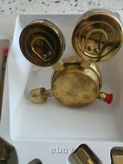 Victor oxygen acetylene welding cutting torch kit, no part number showroom item